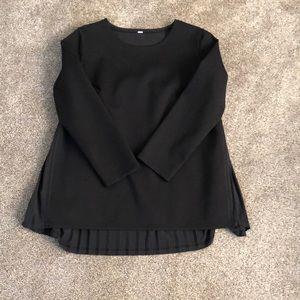 Lululemon black pleat back top